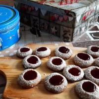 Nussig, fruchtig, lecker: Husarenkrapferl für den Plätzchenteller